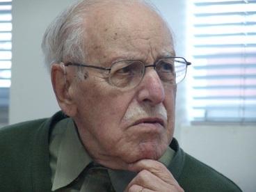 Professor Ney Correia de Souza Lobo.